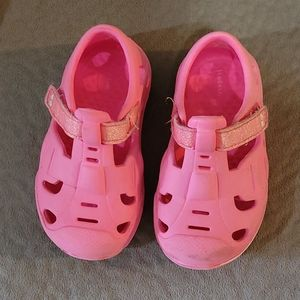 💚5/$20💚 Surprize Water Shoes Pink